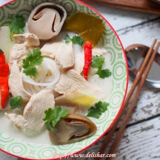 Tom Kha Gai Noodle