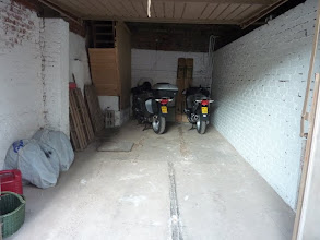 Photo: de garage waarin 7 moto's in gestald werden