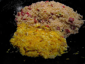 Photo: making sour sausage fried rice 3