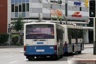 Photo: VBL 267 og 306 i Obergrundstrasse, Luzern, 04.07.2010.