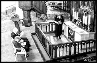 Photo: nach 60 Jahren wieder vor dem Traualtar: Diamantene Hochzeit   Einen Menschen lieben heißt einwilligen, mit ihm alt zu werden. Albert Camus (1913 - 1960)