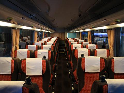 JR東海バス「名神ハイウェイバス」14便<br /> 747-15958 車内