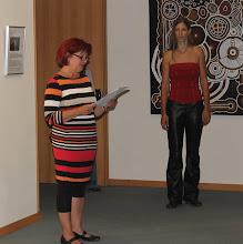 Photo: Karin Weber (www.galerie-mitte.de) bei ihrer Rede