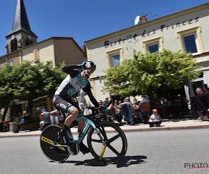 Rolland eindwinnaar in de Savoie, Lotto-youngster Van Gils houdt ondanks mechanische pech podiumplek vast