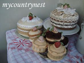 Photo: dolcetti di feltro e torte decorative
