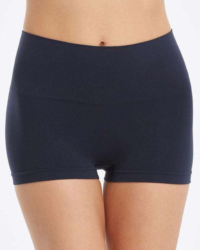 Spanx Everyday Shaping Panties Boyshort to wear under leggings