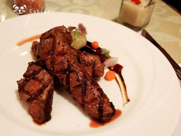 台南 東區 歐納牛排館 在地老字號餐廳 店老心不老