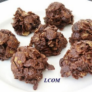 Addictive Chocolate Clusters