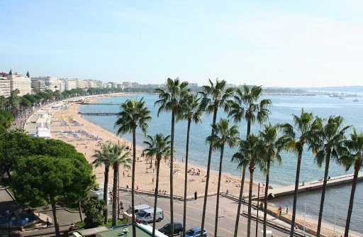 France-Cannes-Croisette.jpg - Walk along the beautiful beach of Cannes, France.