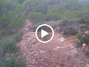 Video: UN PEQUEÑO TROPIEZO