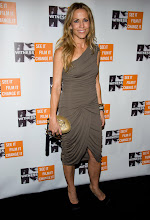 Photo: Sheryl Crow attends the 6th Annual Focus for Change: Benefit Dinner and Concert in support of the human rights group Witness, in New York, Thursday, Dec. 2, 2010. (AP Photo/Charles Sykes)