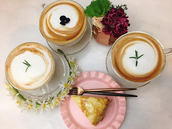 日青方好GA flower cafè。是花店也是咖啡廳。