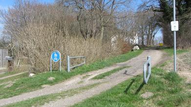 Photo: Hier haben wir gerade die Grenze nach Dänemark überquert und blicken zurück nach Deutschland