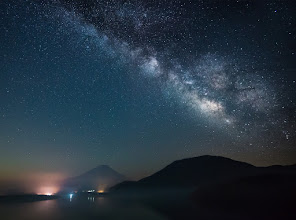 Photo: Motosuko Milky Way || 本栖湖と天の川  During my camping trip with my family to Lake Motosuko a couple of months back, I decided to try my hand at some astrophotography. I certainly have a lot to learn moving forward, but I really enjoyed it and will definitely be giving it a try again in the near future. In the meantime, here's a favorite of mine from the trip.  家族といっしょに本栖湖でキャンプした時に、天体写真術をやろうと思っていました。確かに分からないところはいっぱいでしたが、本当に楽しかったですし、すぐ続きたいと思います。そうしているうちに、これは本栖湖で取った写真の一つです。  Blog post: http://lestaylorphoto.com/lake-motosuko-and-the-milkyway/  #japan #astrophotography #nikon #mtfuji