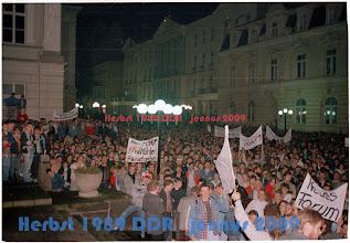 Photo: Freie Wahlen - Reisefreiheit: Beides gab es niemals in der ddr