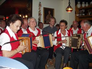 Photo: Am Abend spielten wir zur Freude aller Gäste im Hotel