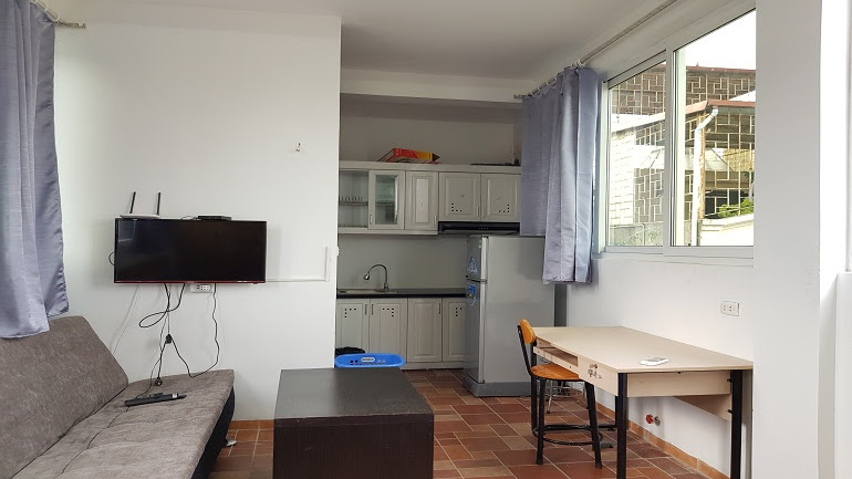 Bright studio apartment in Dien Bien Phu street, Ba Dinh district for rent