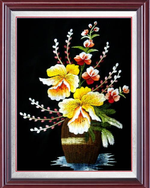 Tranh thêu hoa lan và ý nghĩa đặc biệt trong phong thủy 2