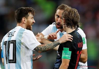 Kroatië triomfeert in zenuwslag tegen Argentinië, gefrustreerde Messi druipt met ploegmaats af na wanvertoning