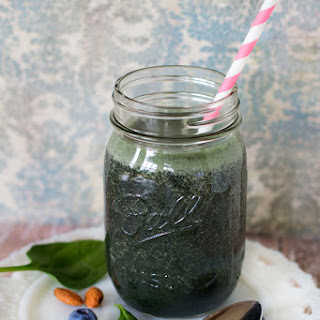 Spinach and Blueberry Protein Shake