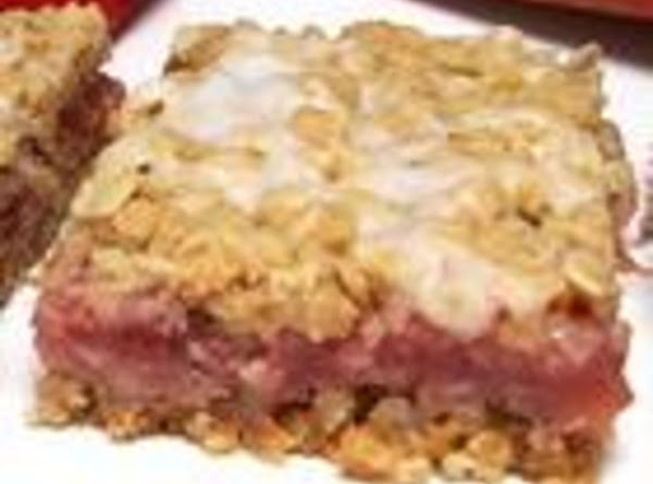 Strawberry Rhubarb Oatmeal Bars Recipe