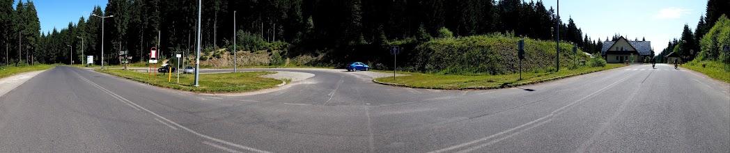 Photo: Z Krawcowa zjeżdżamy niebieskim na przeł. Glinka. Dalej już wielokilometrowe przemierzanie niebieskiego szlaku do Rycerzowej.