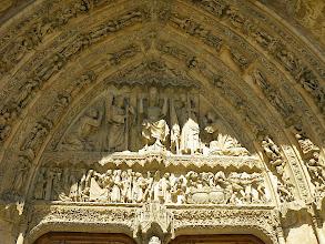 Photo: Tympan de la porte de la Vierge