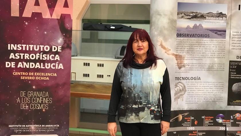 La astrónoma almeriense Pepa Masegosa, fotografiada para esta entrevista en el Instituto de Astrofísica de Andalucía, donde trabaja.
