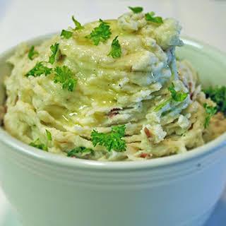 Creamy Roasted Garlic Mashed Potatoes.