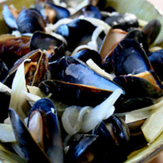 Mussels with Fennel, Lemon, and Belgian Ale