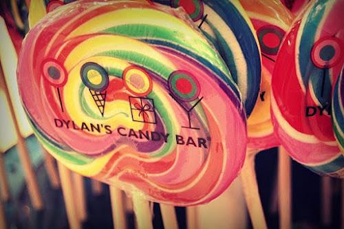 Photo Dylan's Candy Bar