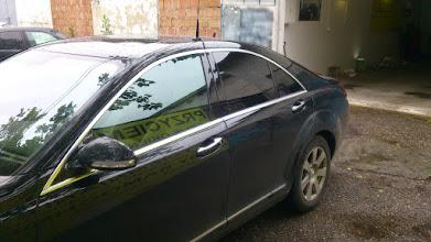 Photo: Mercedes S klasa -- Przyciemnianie szyb folia średniociemna Euro Film Black 20  z  5  letnią gwarancją atestem ISiC .Przyciemnianie szyb zmiana koloru auta kraków ,małopolska. przyciemnianie szyb olkusz ,przyciemnianie szyb bochnia ,przyciemnianie szyb wieliczka ,przyciemnianie szyb niepołomice ,przyciemnianie szyb gdów , przyciemnianie szyb myślenice, przyciemnianie szyb wadowice ,przyciemnianie szyb skawina ,przyciemnianie szyb małopolska Profesjonalnie z atestem i gwarancją , folia termokurczliwa , folia odbijająca ciepło , folia blokująca uv