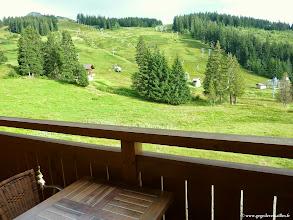 """Photo: #007-La vue de notre chambre à l'hôtel """"Les sapins"""" à Manigod sur les pistes de ski de la Croix Fry."""