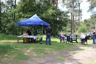 Photo: op de picknick plek aangekomen, een plekje in het bos net buiten Ermelo