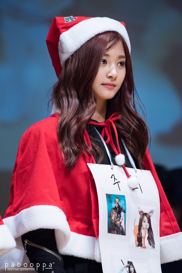 tzuyu in hat 12