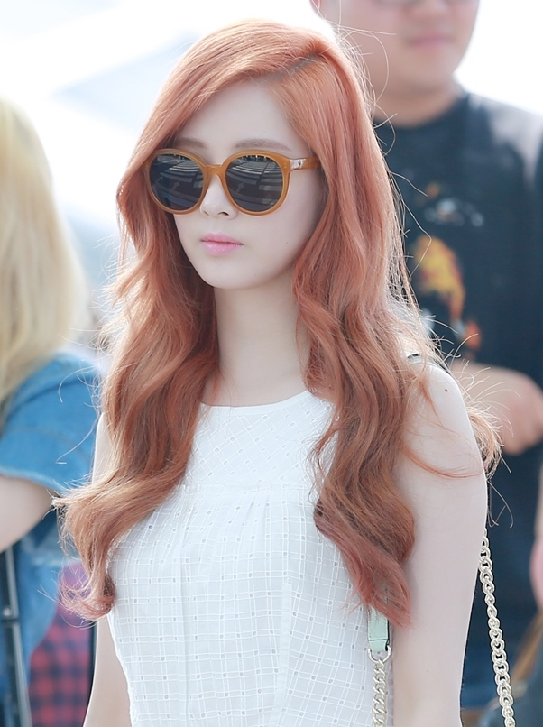 Seohyun_at_Incheon_Airport_on_June_2015_02