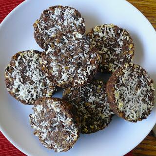 Paleo Chocolate Almond Energy Bites