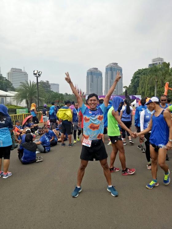 Tawa bahagia setelah finish. Foto oleh Veronica.