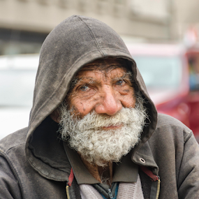 El Viejo y el Mar by Fico Stein Montagne - People Portraits of Men ( wrinkles, face, thinking, sad, beard, old man, nikon d7000, portrait, expressions,  )