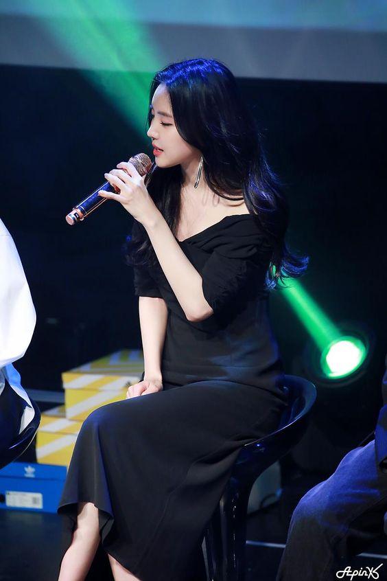 naeun gown 2