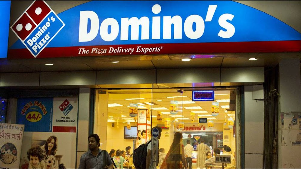 best_pizza_places_gurgaon_domino's_image