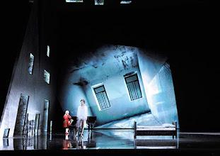 """Photo: Wien/ Raimundtheater: MOZART - das Musical. Premiere 13.9.2015. Lucas MacGregor, Oedo Kuiüers. Foto: Barbara Zeininger. Weitere Fotos aus dieser Produktion finden Sie im Album """"Barbara Zeininger/ Musiktheater4"""""""