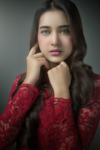 LOOK INTO MY EYES by WanUkay Perdana - People Portraits of Women ( red, studio, alone, beauty, model )