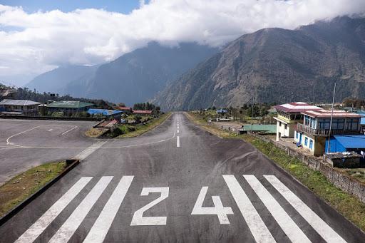 Tourists flock to Nepal despite plane crashes