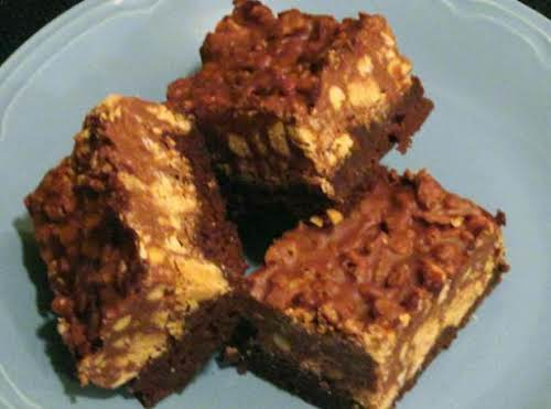 Peanut Butter Crunch Brownies - this brownie recipe is blue ribbon all...