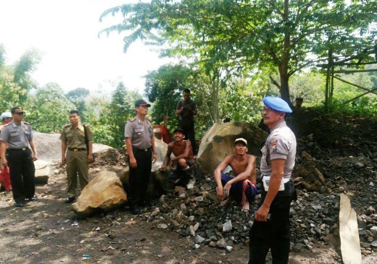 pekerja tambang tradisional di Ngawi tewas tertimpa batu