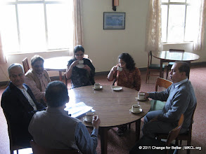 """Photo: Eminent thinkers from various parts of India met at Panchgani, Mahabaleshwar near Pune to discuss on Change for Better, a quarterly thought journal with a motto """"Better World Through Better People"""". Lighter moments"""