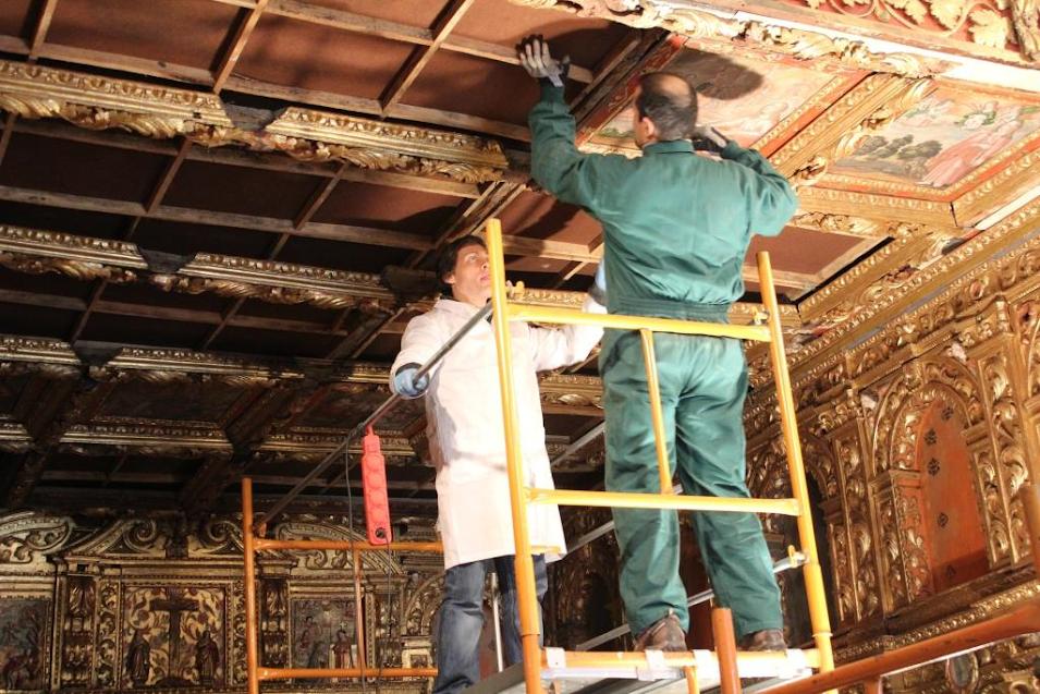 Retábulo do extinto Convento das Chagas de Lamego começou a ser restaurado