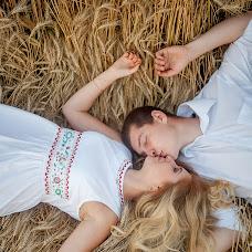 Wedding photographer Ekaterina Tolstyakova (Katrin694). Photo of 18.08.2017