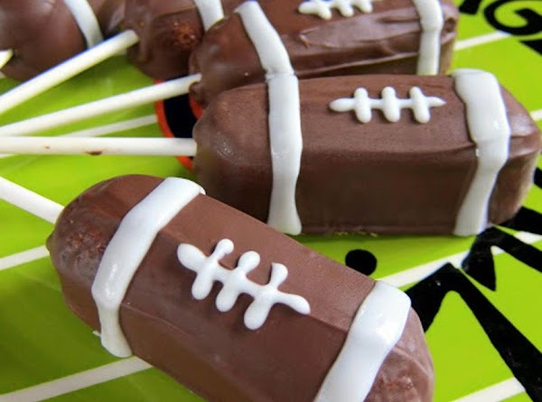 Football Twinkie Pops Recipe